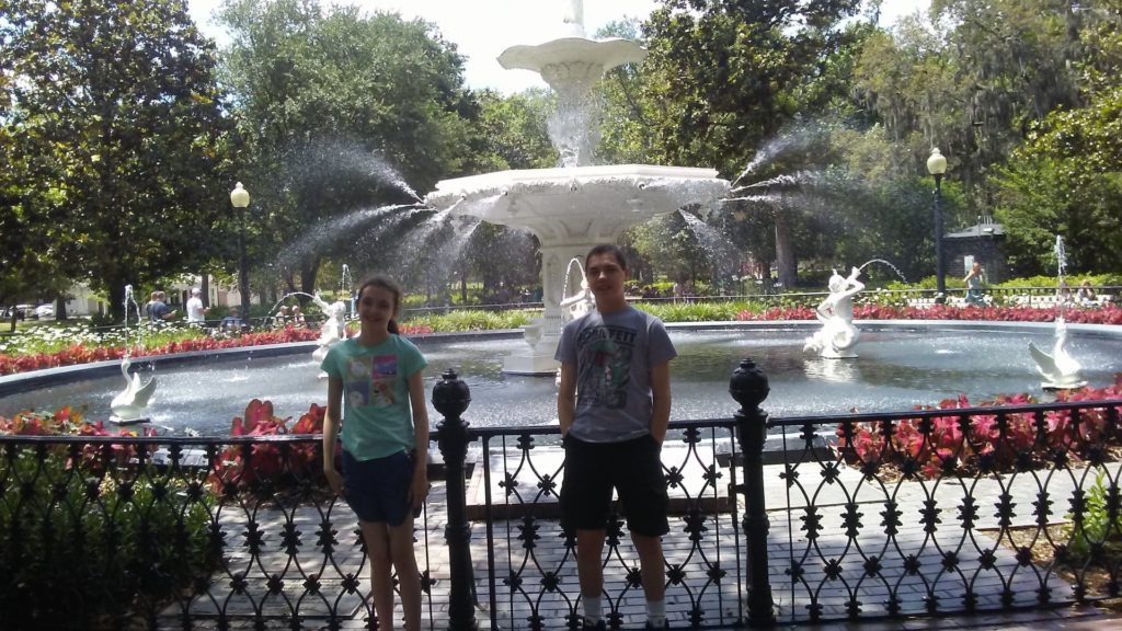 kids in front of foryth park fountain