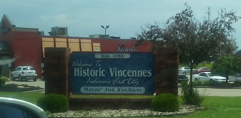 Vincennes town sign