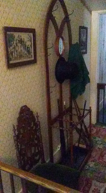 coat rack with top hat
