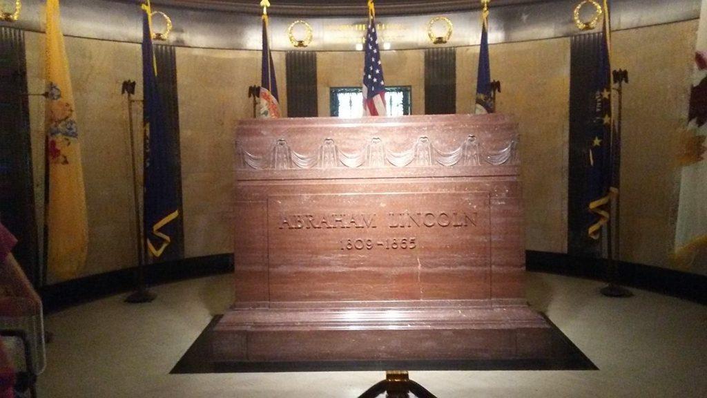 Lincoln headstone