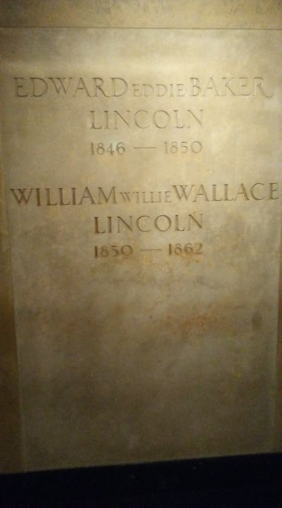 Lincoln sons graves