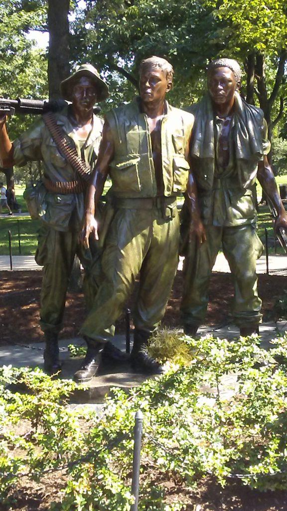 Vietnam Memorial Soldiers Statue