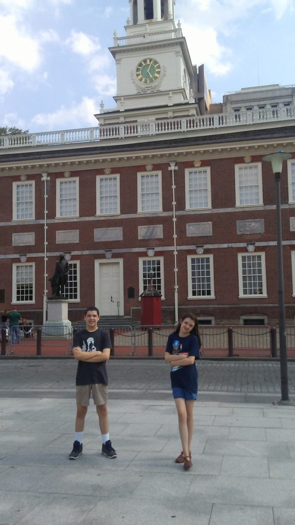 kids in front of independence hall